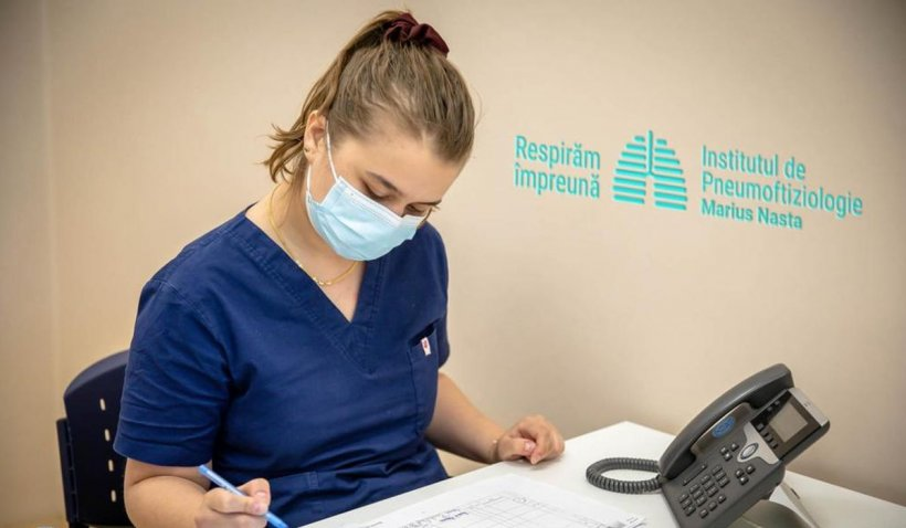 """Conducerea Spitalului """"Marius Nasta"""" şi STS au înfiinţat, în premieră, un call center pentru rudele pacienţilor internaţi cu COVID"""