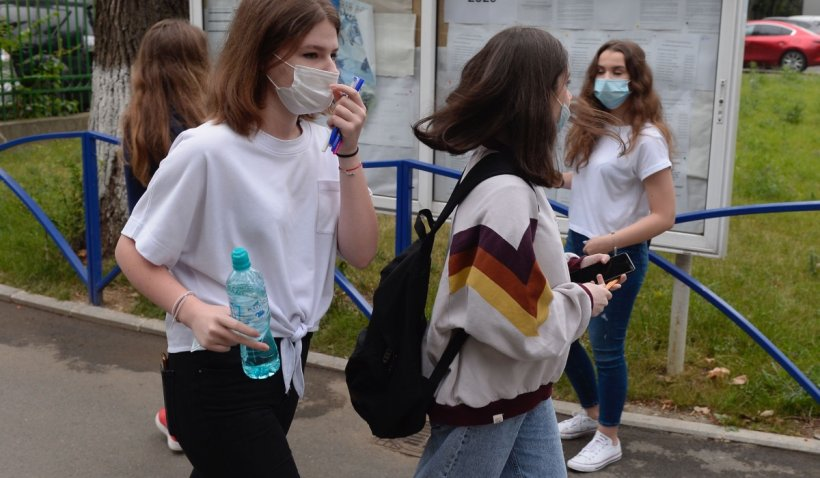 Studenții de la UMF Iași, primiți la examen doar dacă sunt vaccinați, testați sau au avut COVID-19