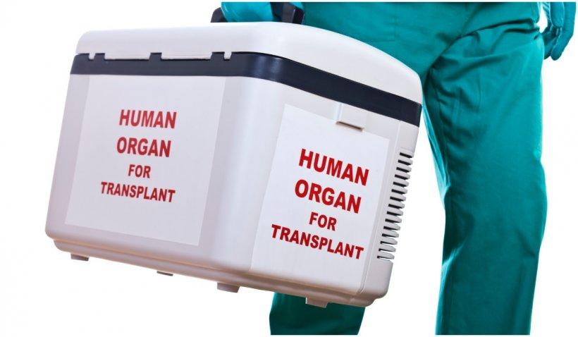 Un bărbat de 95 de ani devine cel mai bătrân donator de organe, după ce o femeie a primit ficatul lui