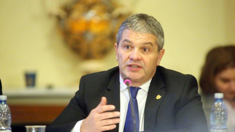 """Florian Bodog, fost ministru al Sănătății: """"Se vorbește de 5.000 - 7.000 de decedați care nu sunt raportați. Cifra este uriașă!"""""""