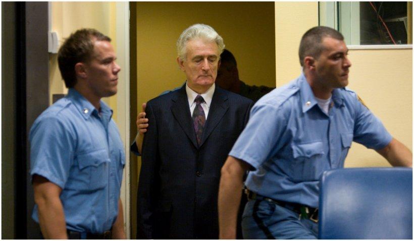 Radovan Karadzic, condamnat pe viață pentru genocidul de la Srebenița, va fi mutat într-o închisoare din Marea Britanie