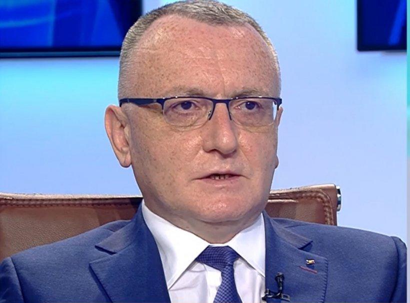 """Sorin Cîmpeanu: """"Decizia UMF Iași, ca studenții să fie primiți în examene testați sau vaccinați, corectă"""""""