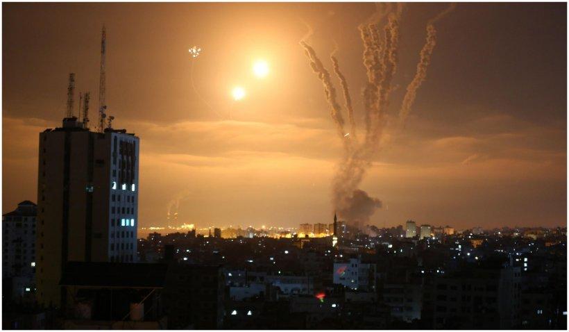 Armata israeliană anunţă că a efectuat 50 de bombardamente în 40 de minute, în Fâșia Gaza