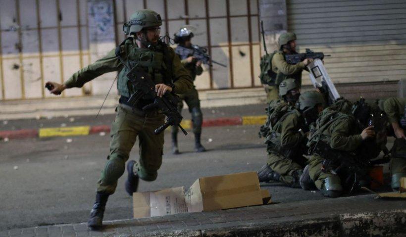 Revoltele se extind în Cisiordania pe fondul conflictului dintre Hamas şi Israel. Cel puţin 7 palestinieni, ucisi în confruntările cu forţele israeliene