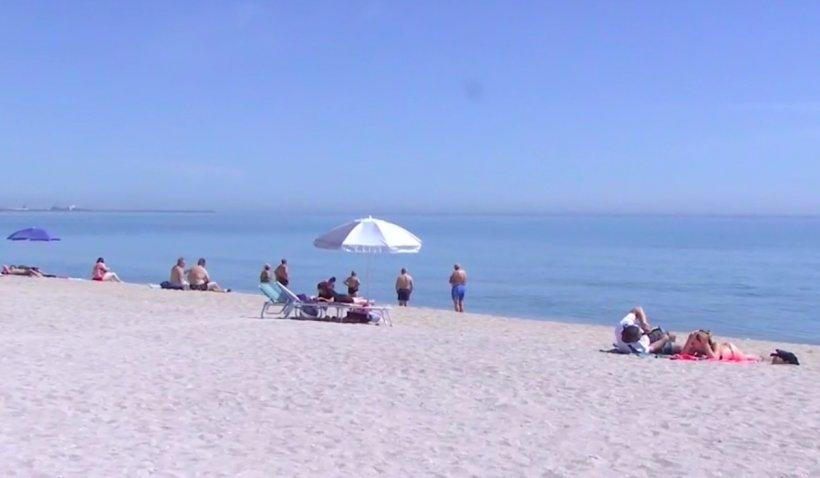 Petrecerile pe plajă revin în Mamaia și Vama Veche: Cum petrec turiștii de pe litoral primul weekend de libertate