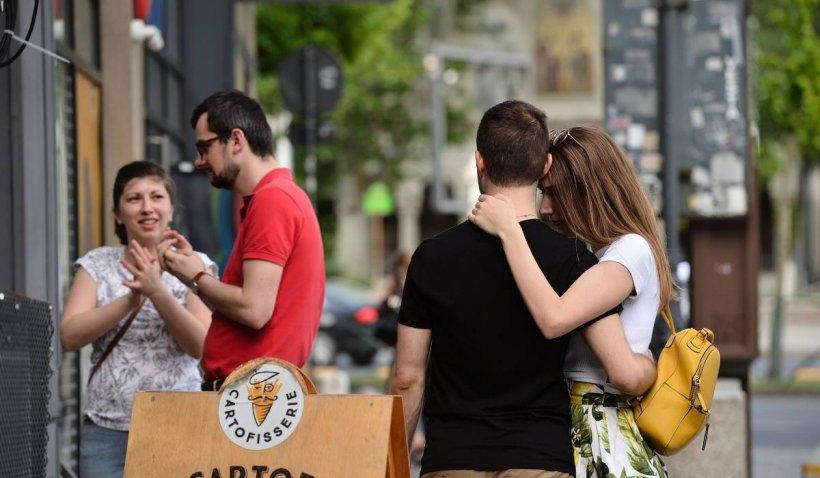 """Profesorul Tudorel Butoi, despre reacția românilor la relaxare: """"Am remarcat cupluri de tineri, ei nu purtau mască"""""""