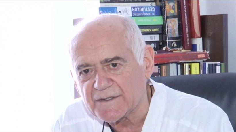 """Profesorul Tudorel Butoi, despre crima din Mihăeşti: """"Omul era un pericol social. Trebuia așteptat cu cătușe, după ce s-a terminat emisiunea"""""""