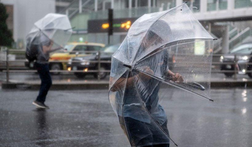 Prognoza meteo 17-18 mai 2021: Toată ţara, măturată de rafale puternice de vânt şi ploi