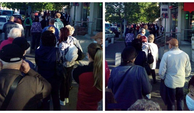 Coadă de zeci de oameni, pe întreg trotuarul, în faţa Spitalului Militar din Capitală
