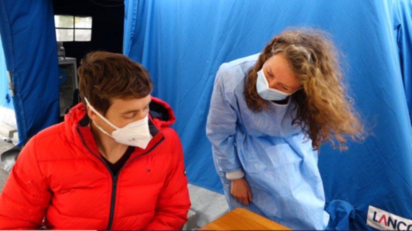 Un tânăr a venit din Germania în România doar pentru a se vaccina