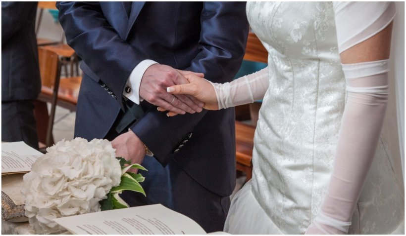 O mireasă şi-a anulat nunta, după ce a aflat că mama ei îşi plătise viitorul ginere să o ia de nevastă