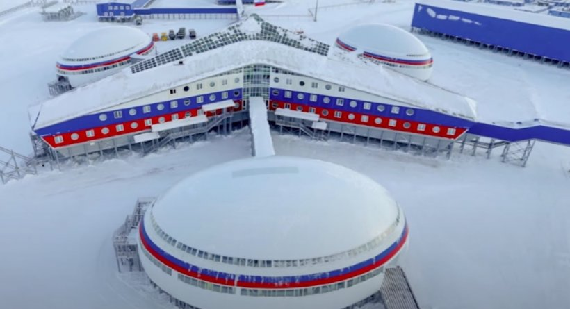 """""""Arctic Clover"""", baza militară rusească din Arctica cu tuneluri încălzite și avioane de vânătoare"""