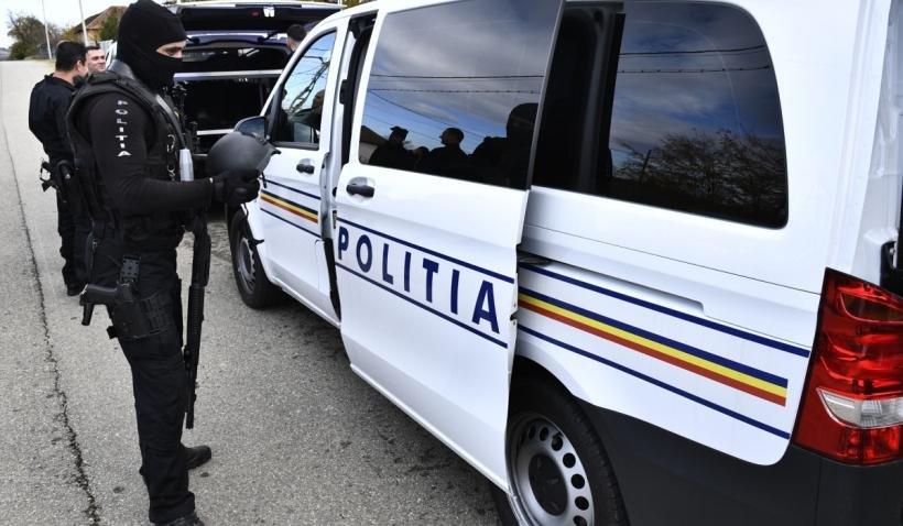 Un politician și un fost campion de box s-au luat la bătaie în fața unui restaurant din Bacău