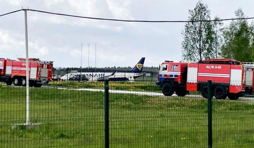 Avion civil forţat să aterizeze la Minsk de aviaţia militară din Belarus. La bord se afla un opozant al președintelui Lukașenko