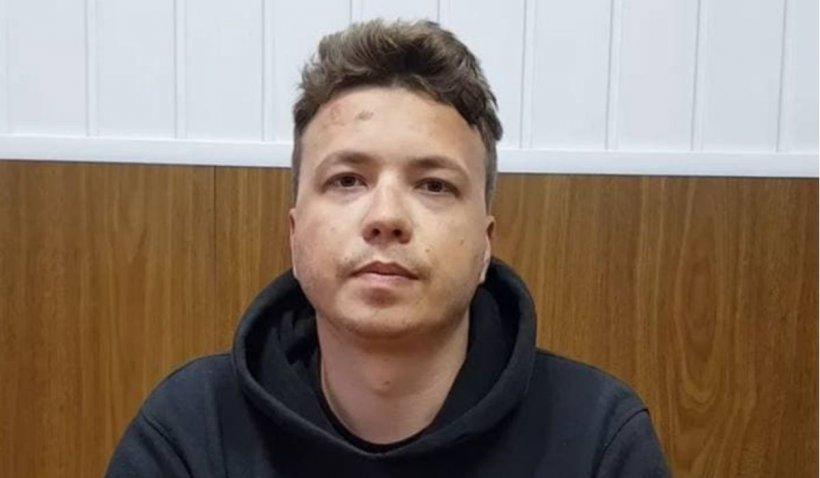 Tatăl lui Roman Protasevici reacționează după apariția filmului în care disidentul, cu fața umflată și învinețită, mărturisește că a organizat protestele din Belarus