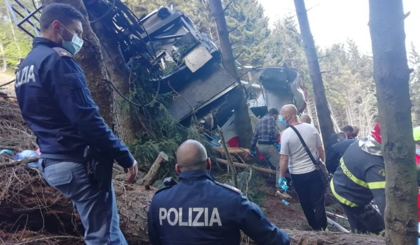 Cine sunt victimele tragediei din Italia. 14 morţi, printre care şi copii, după ce telecabina s-a rostogolit 500 de metri