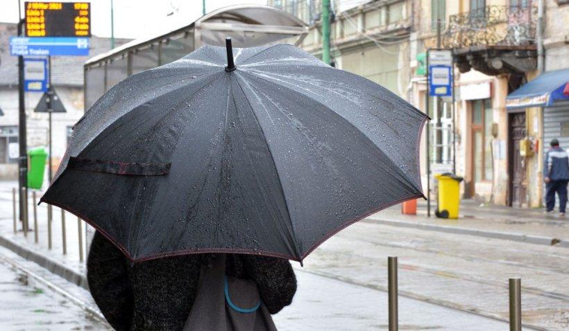 Cod galben de ploi torențiale, grindină și vreme instabilă, în 12 județe ale țării