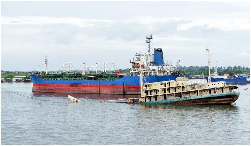 Peste 150 de oameni sunt dați dispăruți, după ce un vas s-a scufundat în Nigeria