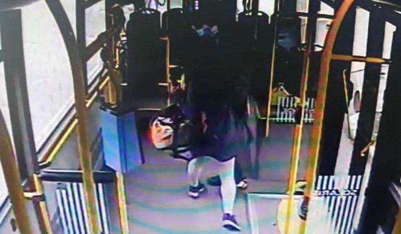 O femeie a plesnit un controlor în autobuz după ce a fost prinsă fără bilet, în Cluj-Napoca