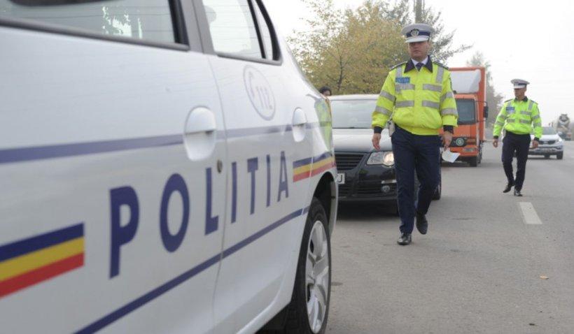 Zeci de polițiști au efectuat razii în cartierul Ferentari. Locuitorii din zonă și șoferii au fost legitimați