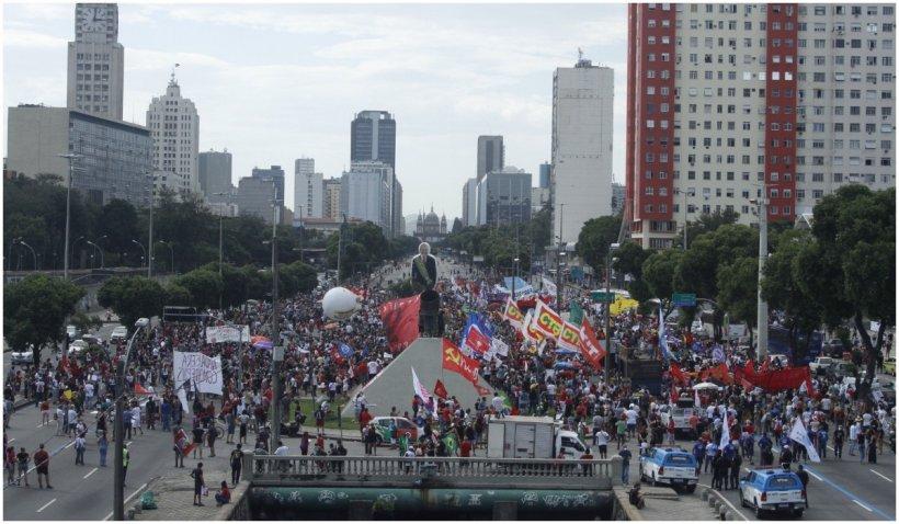 Zeci de mii de brazilieni au manifestat în mai multe orașe din țară împotriva preşedintelui Jair Bolsonaro