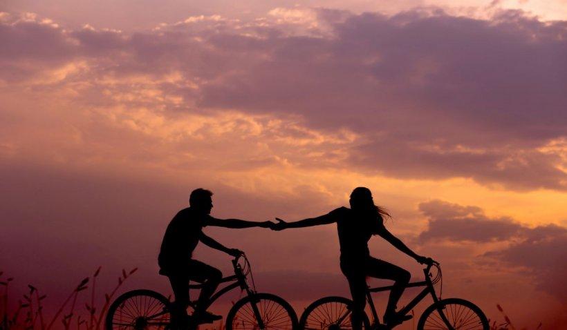 Trei motive pentru care ar trebui să petreci timp şi fără partenerul de viaţă