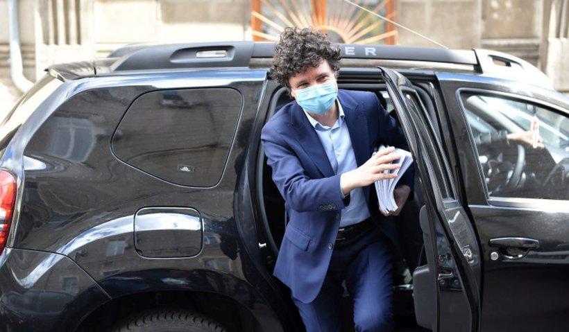 """Nicuşor Dan spune că Bucureştiul scapă curând de gropile din asfalt: """"În două luni o să fim bine"""""""