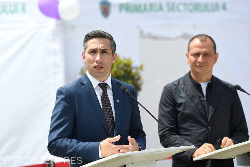 """Valeriu Gheorghiță: """"Am primit mesaje de la copii, mi-au scris și erau bucuroși să au putut să se vaccineze"""""""