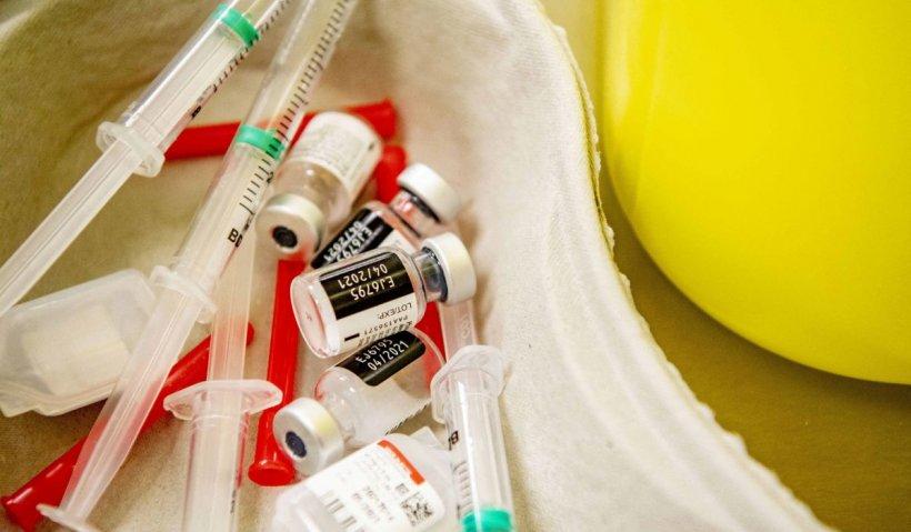 Avertisment dur al medicilor: România ar trebui să se pregătească pentru valul patru al pandemiei