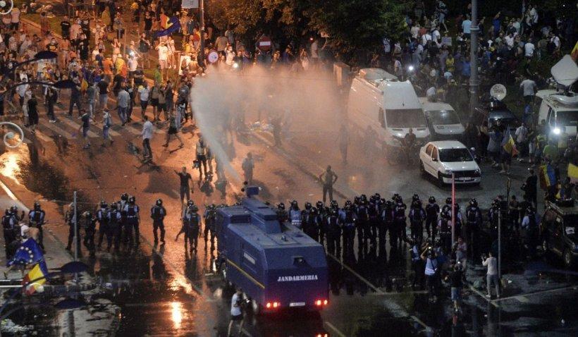 """Motivarea instanței pentru redeschiderea dosarului """"10 august"""": Trebuie să se stabilească ce tip de muniție și gaze au folosit jandarmii"""