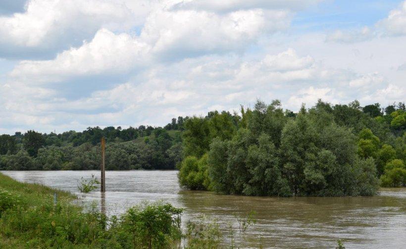 Cod galben de inundații pe râurile din județele Harghita, Covasna, Alba și Hunedoara