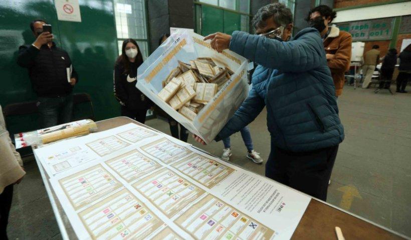 Alegeri în Mexic: cel puțin cinci asasinate și un cap retezat aruncat într-o secție de vot. Coaliția prezidențială ratează majoritatea absolută