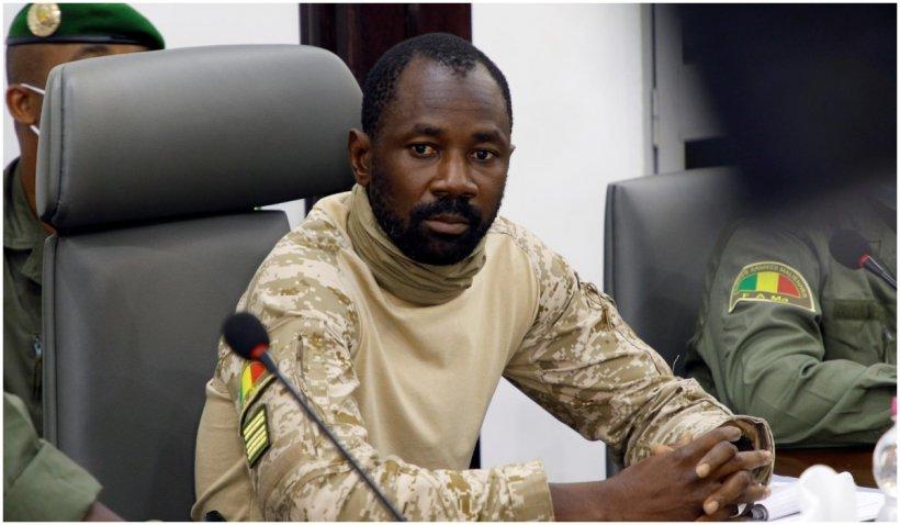 Assimi Goita depune jurământul şi devine preşedinte de tranziţie în Mali