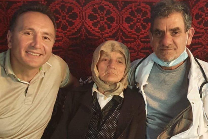 O bunicuță în vârstă de 100 de ani din Bistrița-Năsăud s-a vaccinat anti-COVID