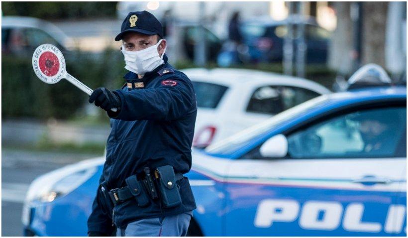 Poliţia italiană a destructurat un grup antisemit şi rasist activ pe reţelele sociale