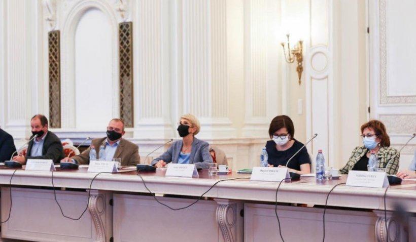 Raluca Turcan: Vom pune bazele acreditării ocupaţiei de analist comportamental, pentru copiii cu probleme de sănătate mintală