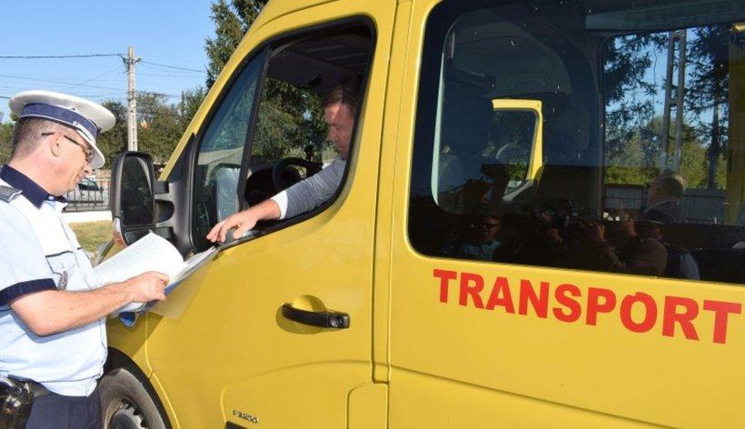 Un șofer a fost prins beat la volan, în timp ce transporta călători cu microbuzul