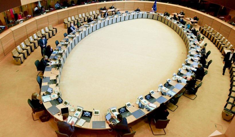 """Bugetul UE pe 2022: Comisia Europeană propune un buget anual de peste 160 de miliarde de euro și """"sprijin financiar fără precedent"""" țărilor membre"""