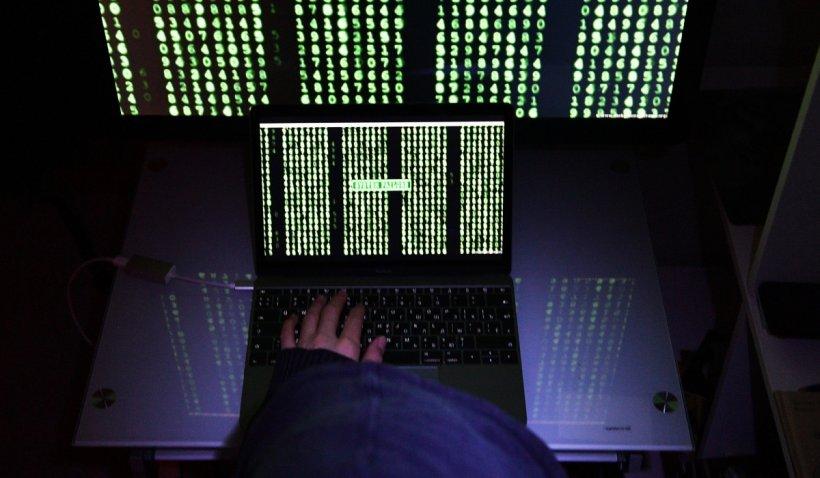 Opt miliarde de parole furate, publicate de hackeri pe un forum: Sunt date de logare la conturi Gmail, Facebook, Apple şi PayPal
