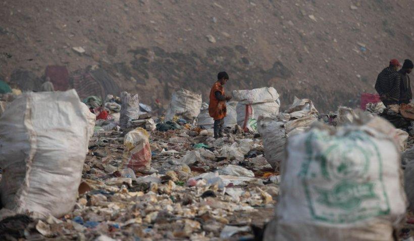 România, sesizată de Comisia Europeană cu privire la legislația depozitelor de deșeuri