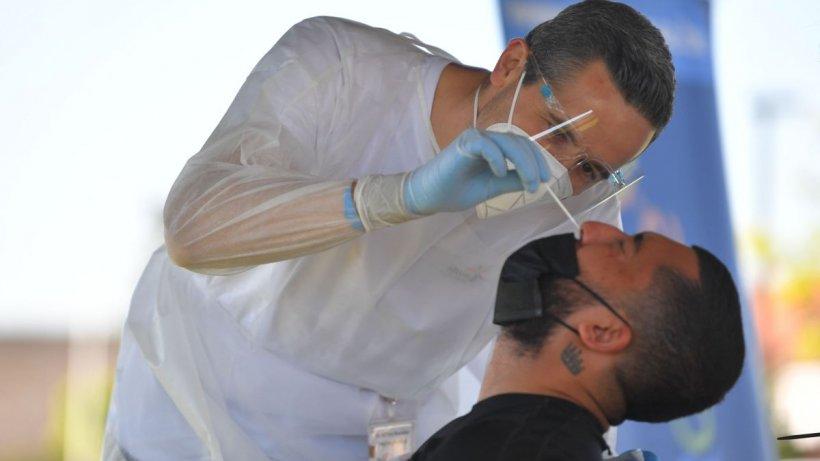 INSP: Rata de confirmare cu noile tulpini ale coronavirusului în România este de peste 70%
