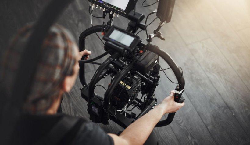 Guvernul, datorii imense pentru industria de film! Statul român este dat în judecată de producătorii străini