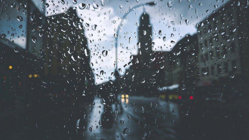 Noi alerte meteo: Ploi torențiale, vijelii și grindină în aproape toată țara, sâmbătă și duminică