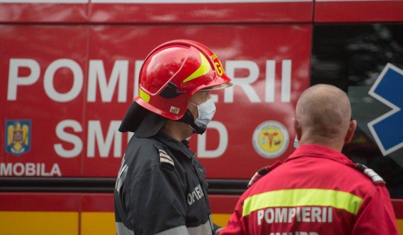 Incendiu într-un bloc din Suceava. Un bărbat este rănit, două persoane au suferit atacuri de panică