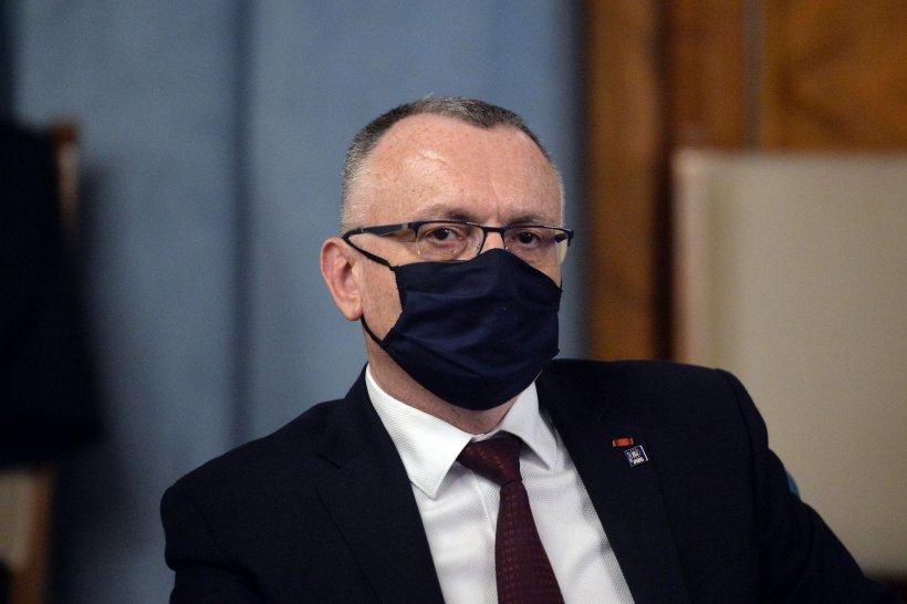 """Sorin Cîmpeanu: """"Doar 66% dintre elevii de clasele a XII-a și a XIII-a s-au înscris la examenul de Bacalaureat"""""""