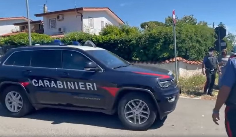 Atac armat în Italia. Doi copii şi un bărbat au fost împuşcaţi mortal
