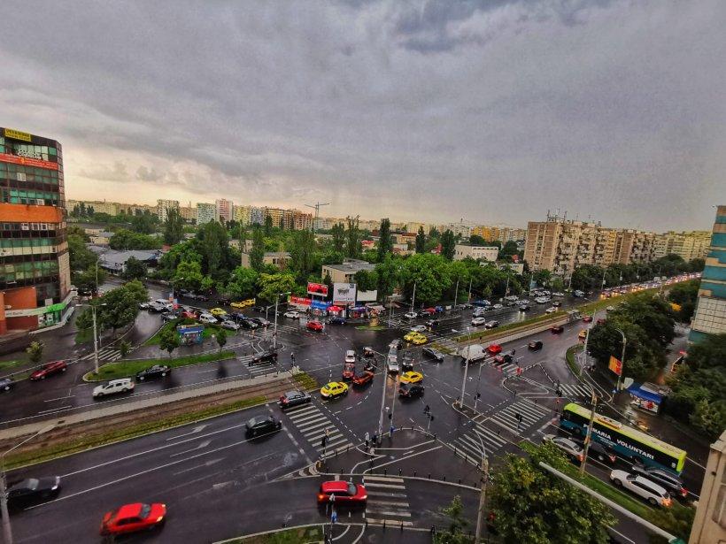 Avertizare RO-ALERT. Cod portocaliu de furtună pentru Bucureşti