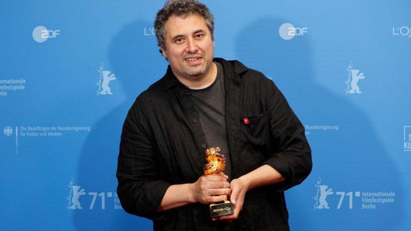 """Filmul """"Babardeală cu bucluc sau porno balamuc"""" a primit trofeul Ursul de Aur la Berlin"""