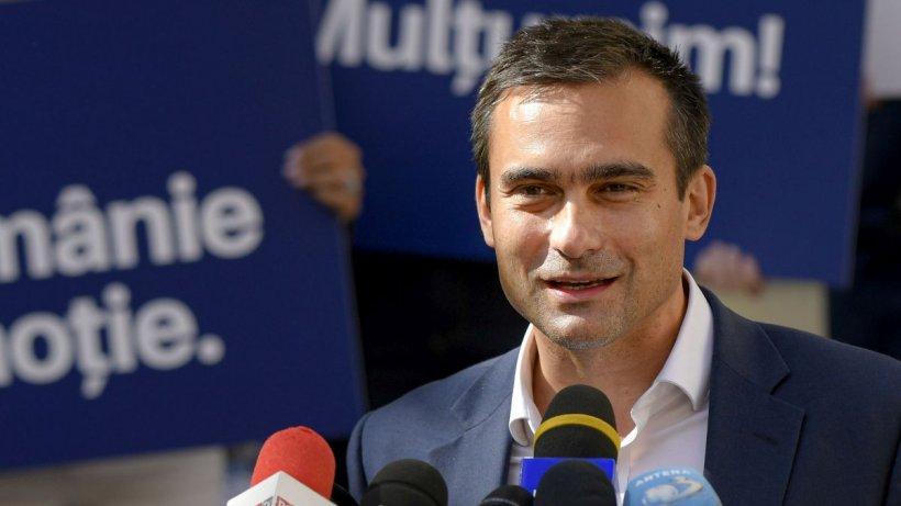 Primarul din Brașov, Allen Coliban, acuzat că și-a falsificat CV-ul