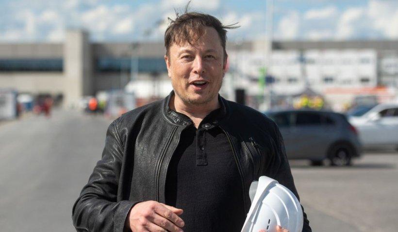 """Elon Musk, miliardar fără locuințe. CEO-ul Tesla își vinde ultima casă: """"Proprietățile te transformă într-o țintă"""""""
